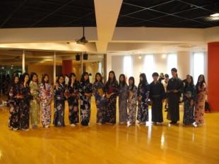 日本のきもの「ゆかた」を着てみました