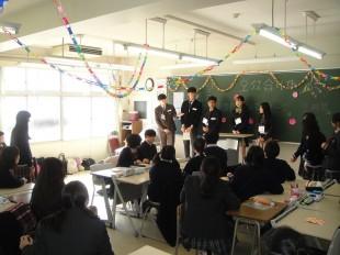 1年生の各クラスに数名ずつ分かれ自己紹介